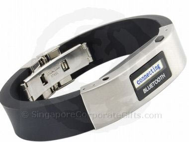 LED Display Vibrating Bluetooth Bracelet