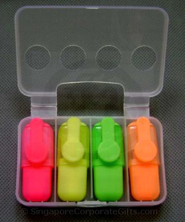 Highlighter with plastic case 005