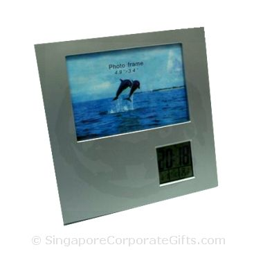 Photoframe with Calendar, Alarm Clock and Thermometer